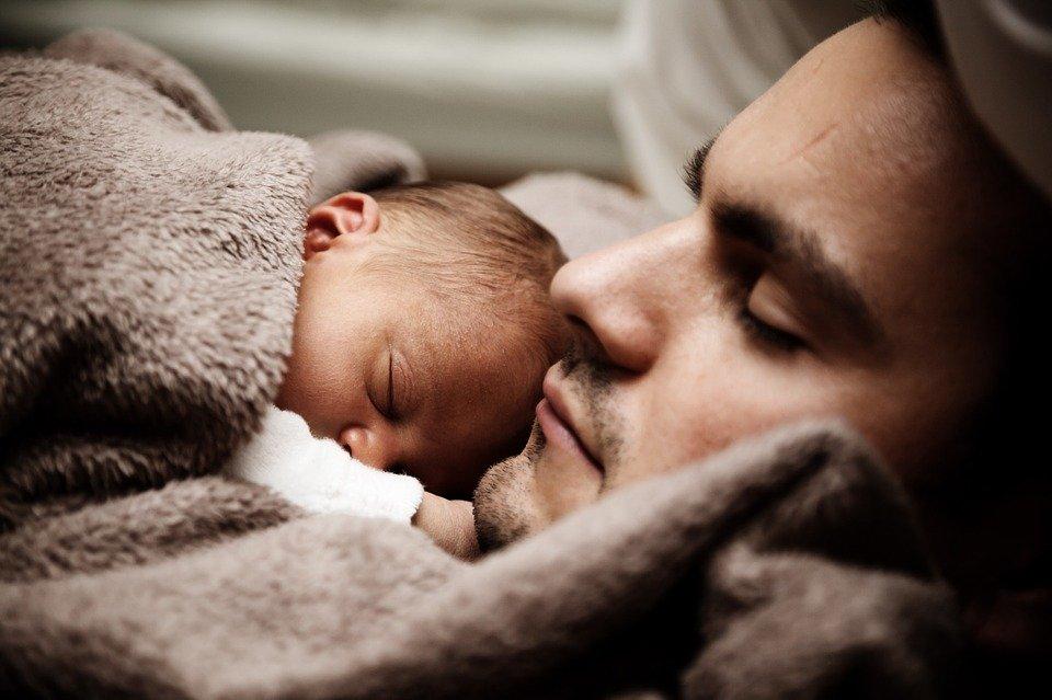 Padre y su bebé